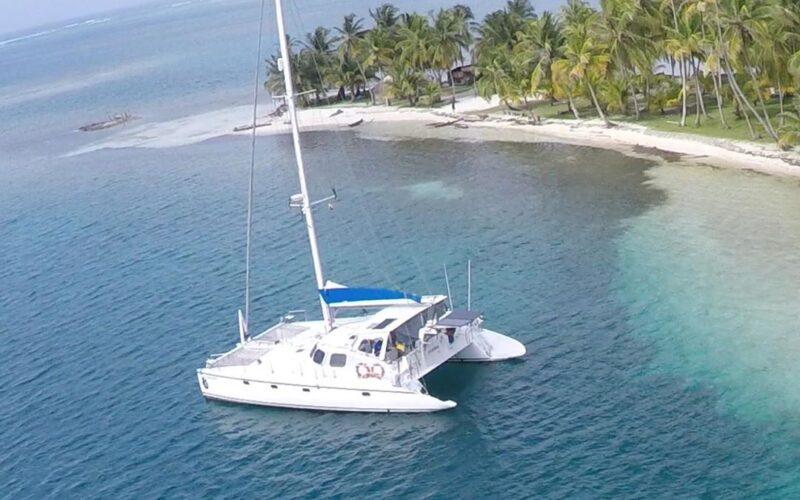 sailboat-catamaran-sangria-15