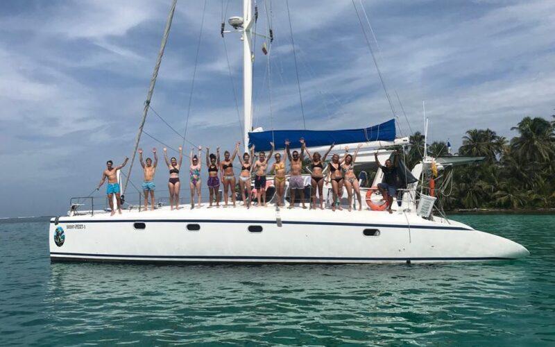 sailboat-catamaran-sangria-23